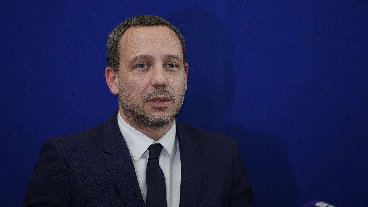 Adrien Taquet dit avoir «saisi l'ensemble des départements» pour que les effectifs des cellules de recueil des informations préoccupantes soient renforcés.