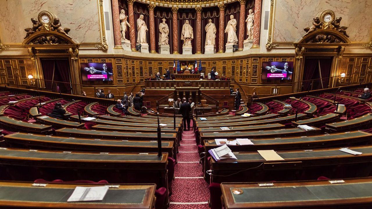 Les sénateurs ont obtenu de rendre plus généreuse la disposition fiscale dite Coluche, afin d'encourager les dons des particuliers.