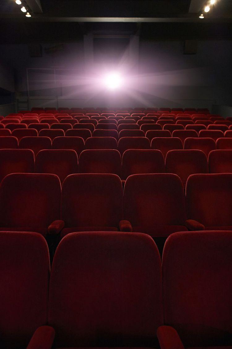 Dans tous les cinémas de France, le vendredi 13 mars, c'était la dernière séance…