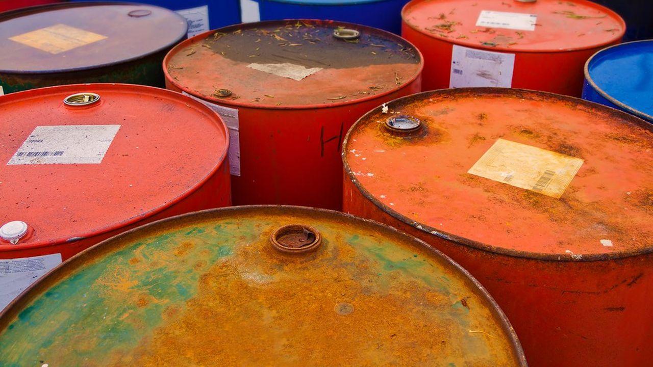 Avec la baisse de la demande mondiale de pétrole liée au coronavirus (-30 %), partout les stocks débordent sur terre et en mer.