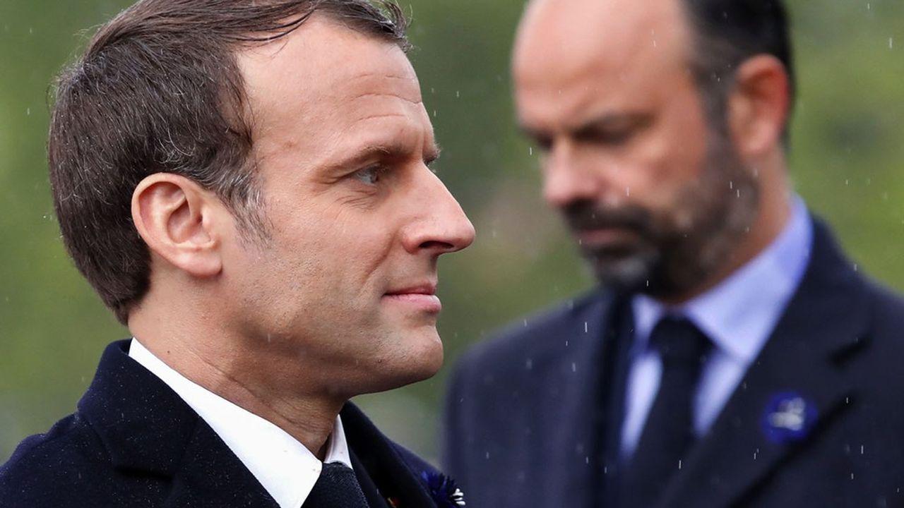 A deux semaines du début du déconfinement, Emmanuel Macron et son Premier ministre Edouard Philippe entrent dans une période particulièrement délicate alors que l'opinion s'inquiète.