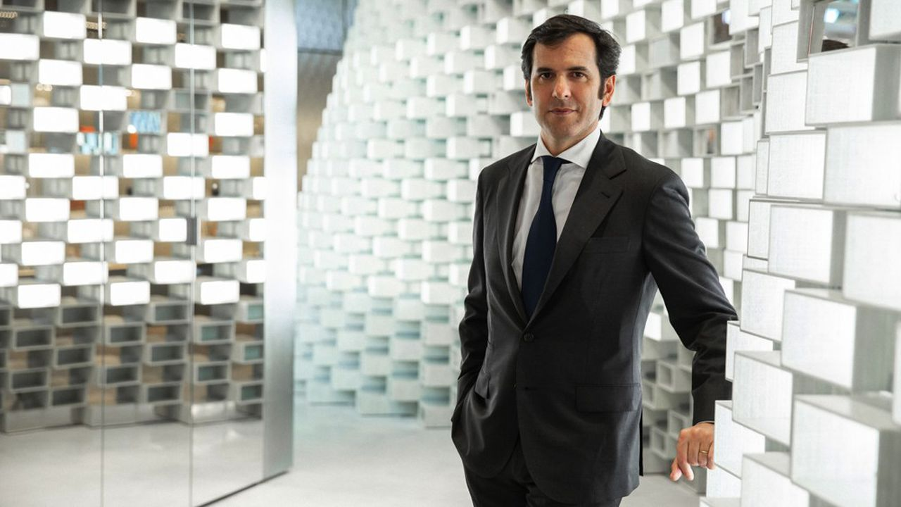 Nicolas Houzé, le directeur des Galeries Lafayette, ne crois pas à un retour de l'activité de ses grands magasins à la normale avant la fin 2021.