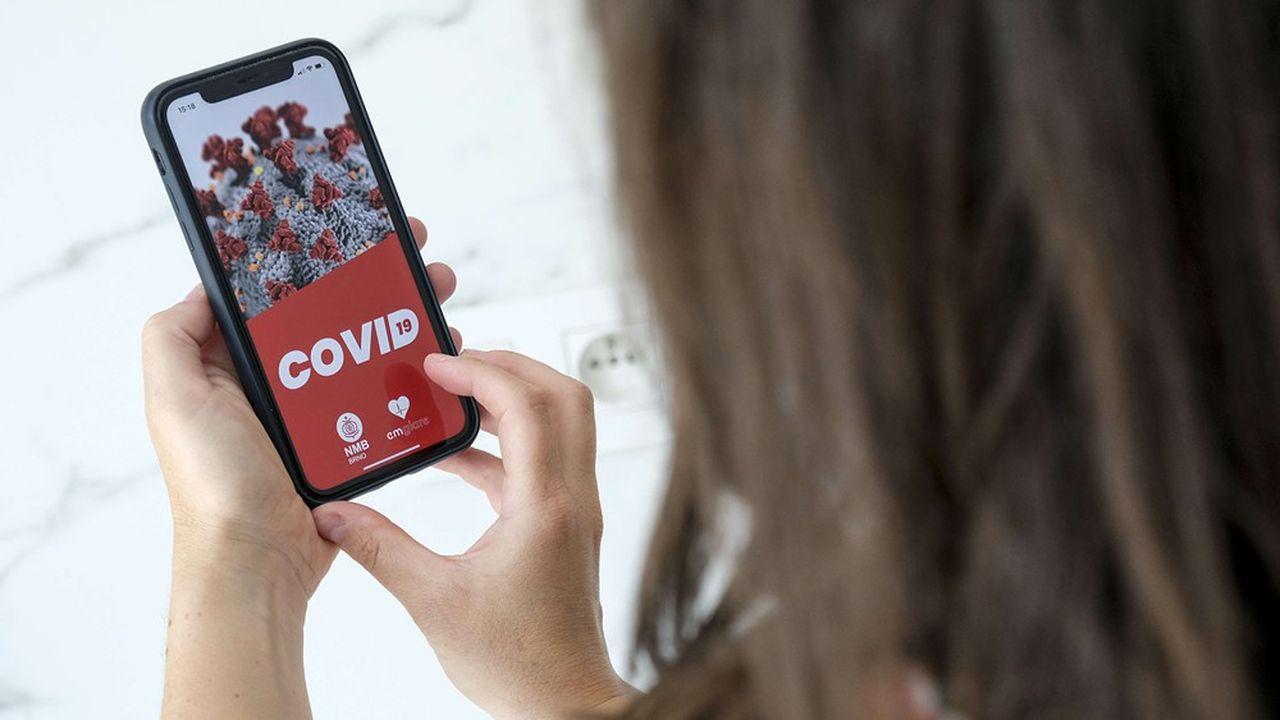 StopCovid doit permettre d'enregistrer de façon anonyme la liste des individus croisés par chacun des utilisateurs afin de les prévenir s'ils ont été exposés à un porteur du virus.
