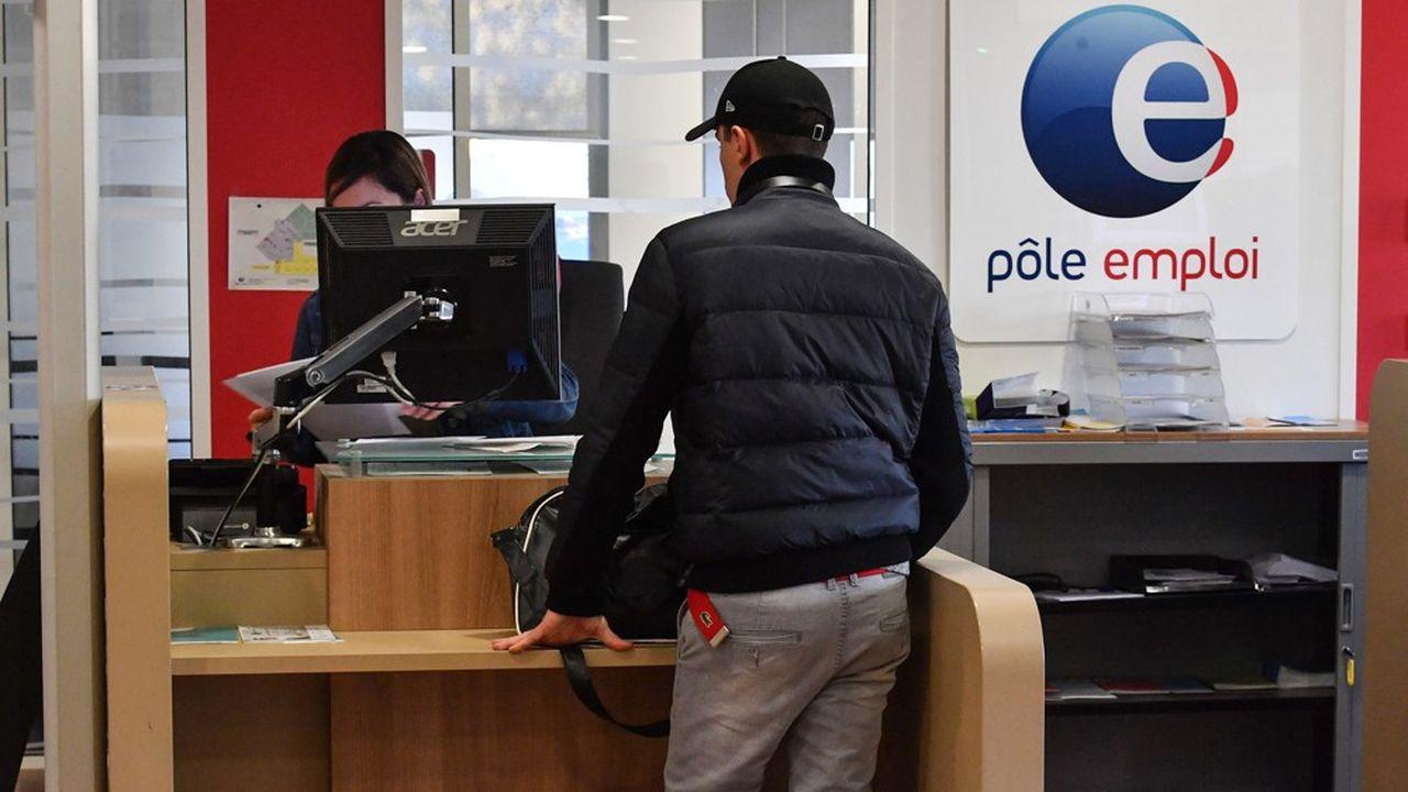Malgré le recours massif à l'activité partielle, une forte hausse des inscriptions à Pôle emploi est probable.