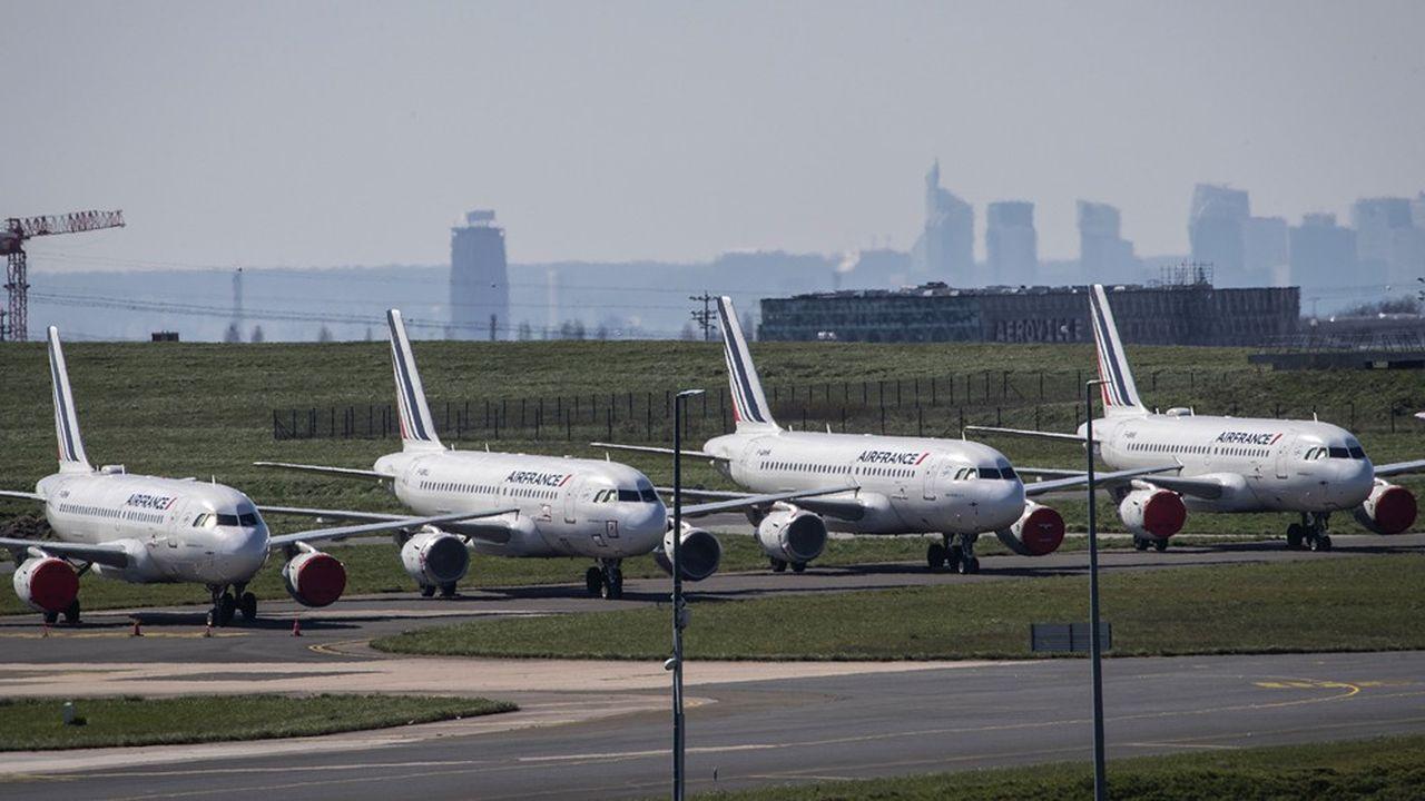 Le ministre de l'Economie Bruno Le Maire a annoncé ce vendredi qu'Air France recevrait une enveloppe de prêts garantis et de prêt d'actionnaire par l'Etat français de 7milliards d'euros
