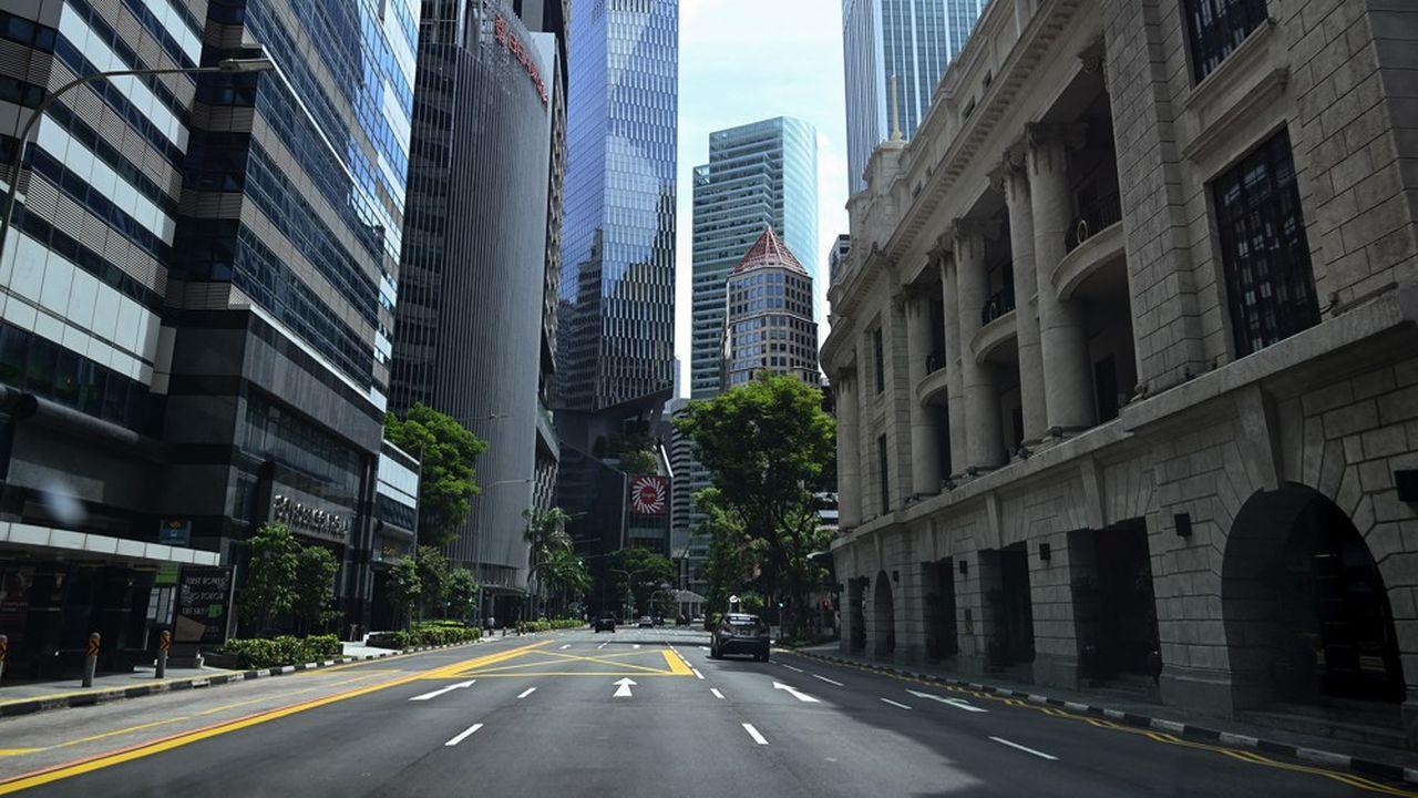Le confinement à Singapour a été prolongé d'un mois et durci.