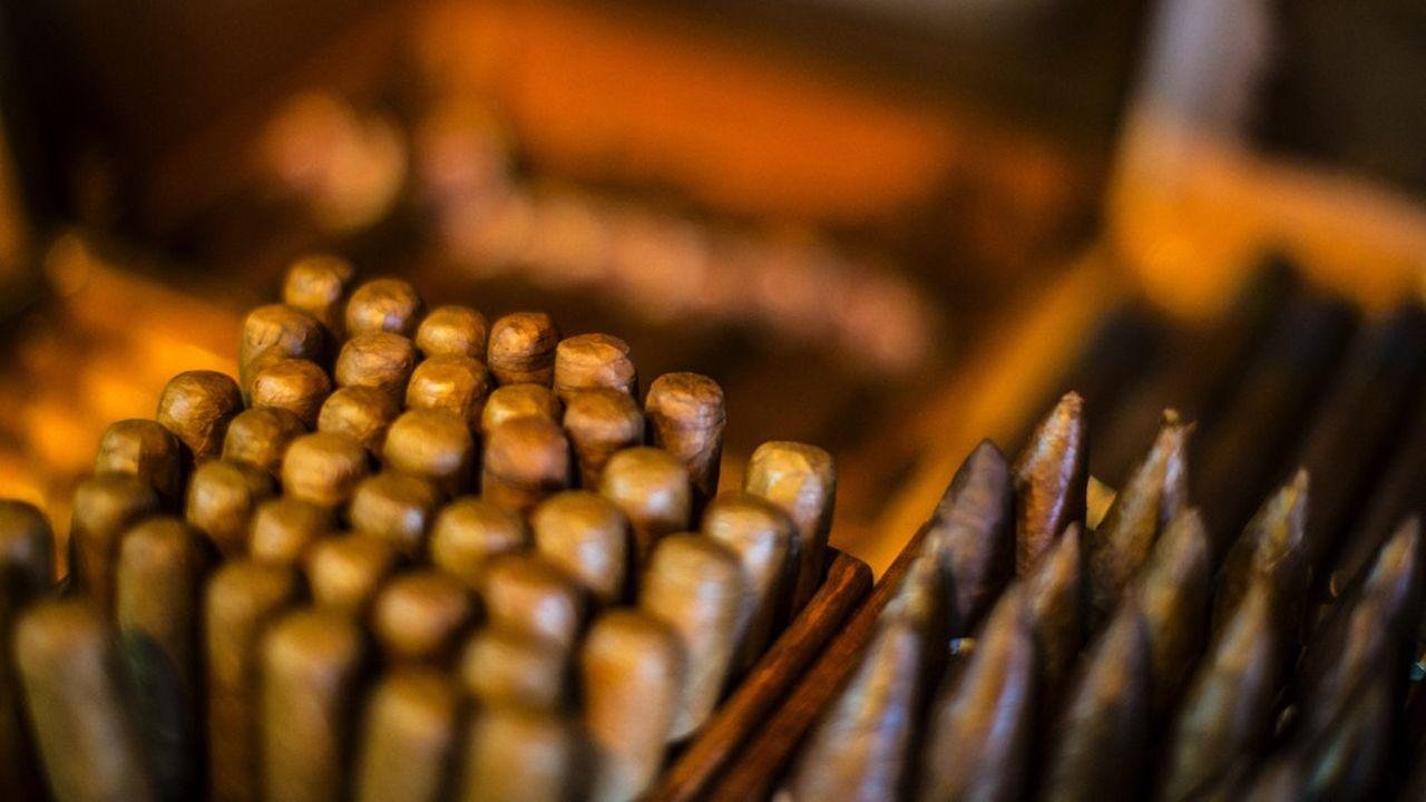 Gemstone achète les cigares Premium aux Etats-Unis pour 185millions d'euros. Allied Cigar Corporation acquiert l'activité concernant le reste du monde pour 1, 04milliard d'euros.