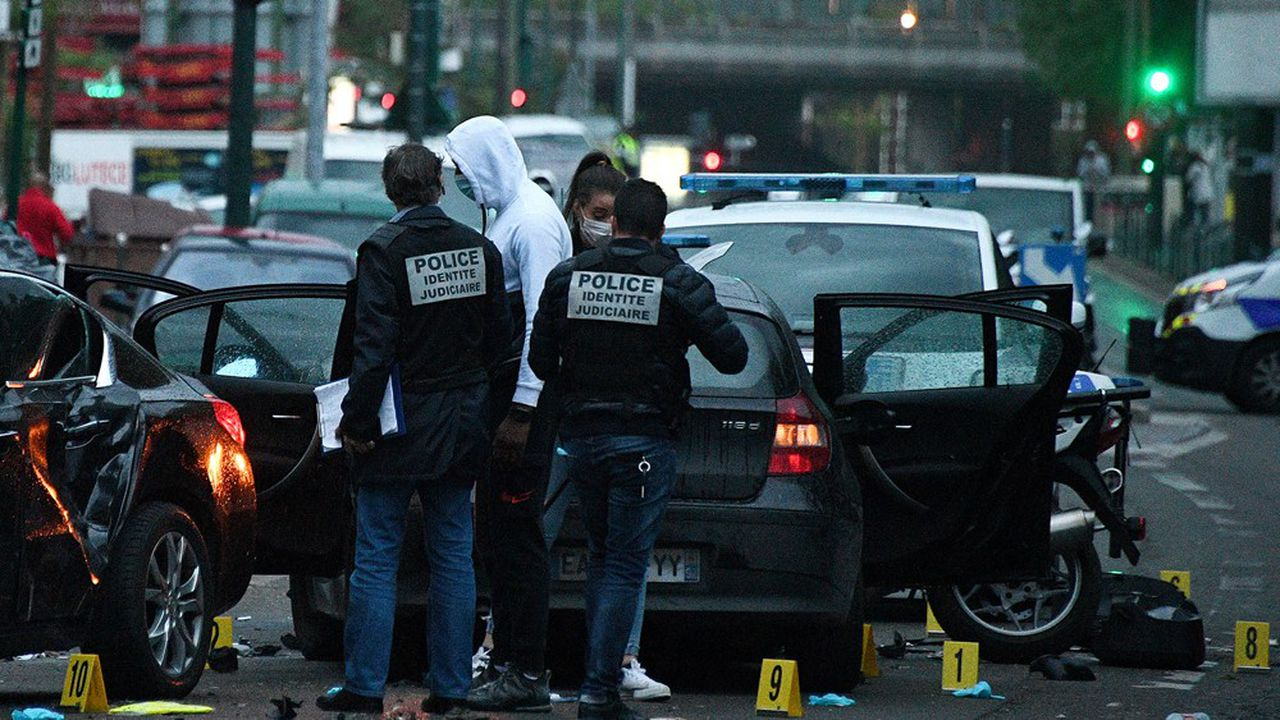 Lundi, peu avant 17h40, un habitant de Colombes avait foncé, au volant d'une BMW noire, sur deux motards de la police nationale qui étaient à l'arrêt en train de contrôler un véhicule.