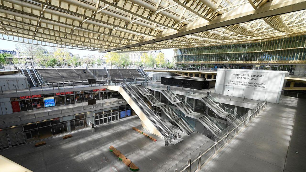 La réouverture des centres commerciaux de plus de 40.000 mètres carrés, comme celui des Halles au coeur de Paris, sera conditionnée à l'accord des préfets.