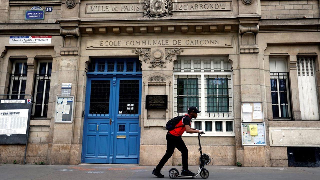 «La réouverture des écoles est nécessaire pour garantir la réussite des élèves dont la scolarité souffre considérablement du confinement», a insisté Edouard Philippe.