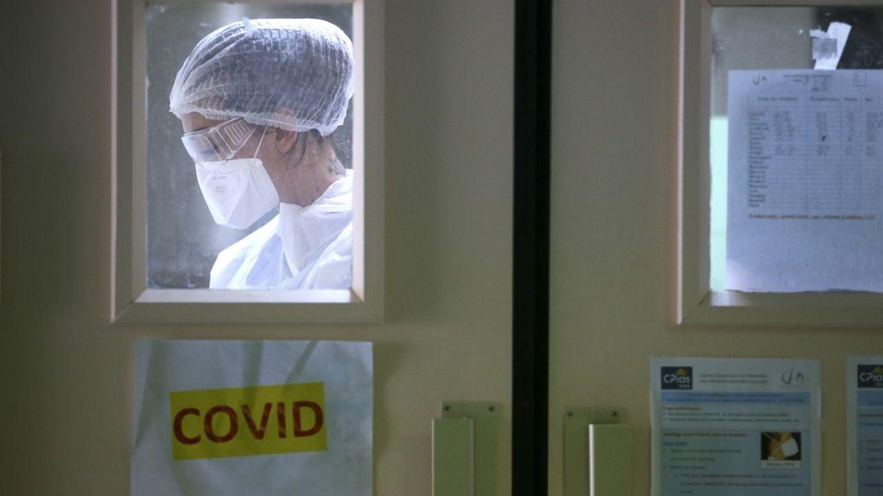 La situation s'améliore progressivement dans les hôpitaux, qui restent toutefois sous très haute tension.