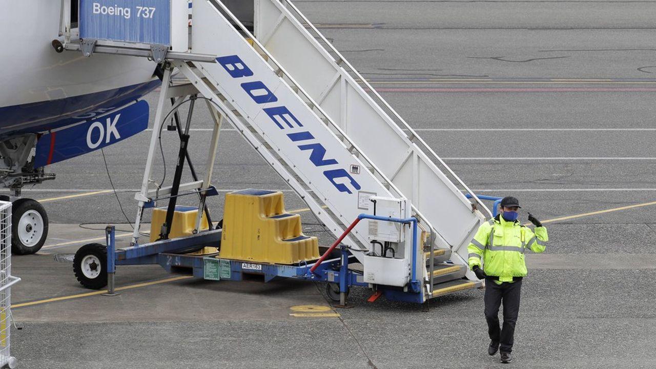 L'effondrement du trafic aérien, ajouté à la crise du Boeing 737 MAX, a cloué au sol des milliers de Boeing.