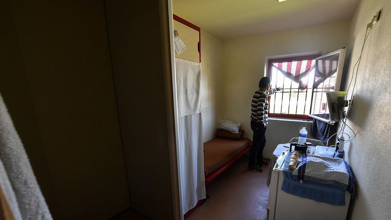 Au 23avril, il y avait 61.100 détenus pour 61.109 places dans les prisons françaises.