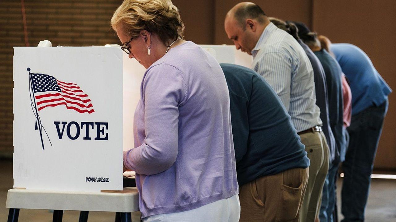 Sept sondés sur dix souhaiteraient qu'un vote par courrier soit possible, selon Pew Research. Une mesure critiquée ces dernières semaines par Donald Trump.