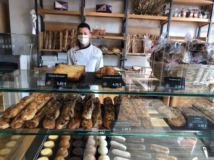 L'épicerie-boulangerie de la Mère Brazier à Lyon assure une diversification des revenus quand le restaurant éponyme reste fermé.