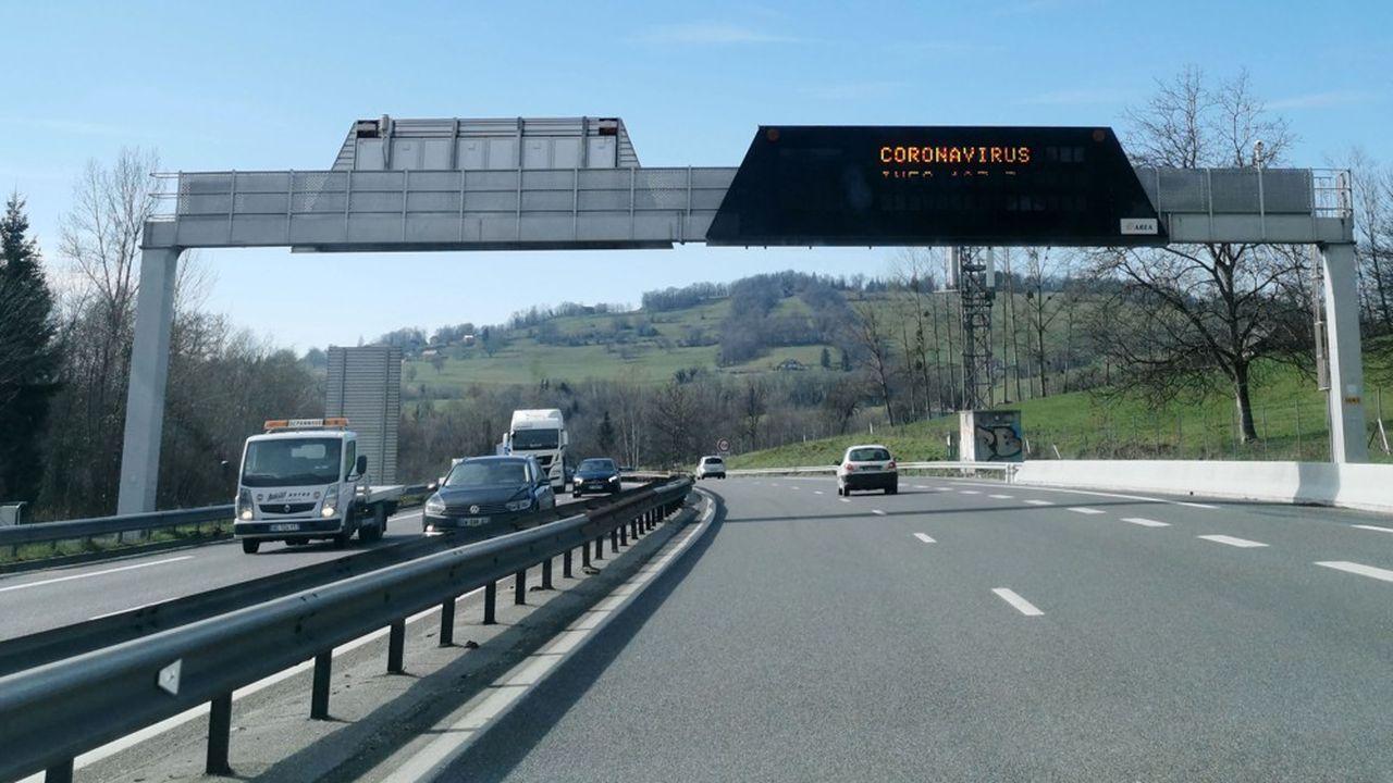 La forte diminution du trafic routier pendant le confinement a largement contribué à la chute des émissions de dioxyde de carbone.