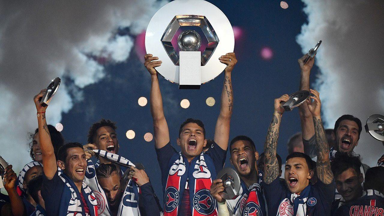 Tenant du titre, le PSG (ici lors de son sacre à la fin de la saison 2018-2019) a remporté son 9e titre de champion de France.