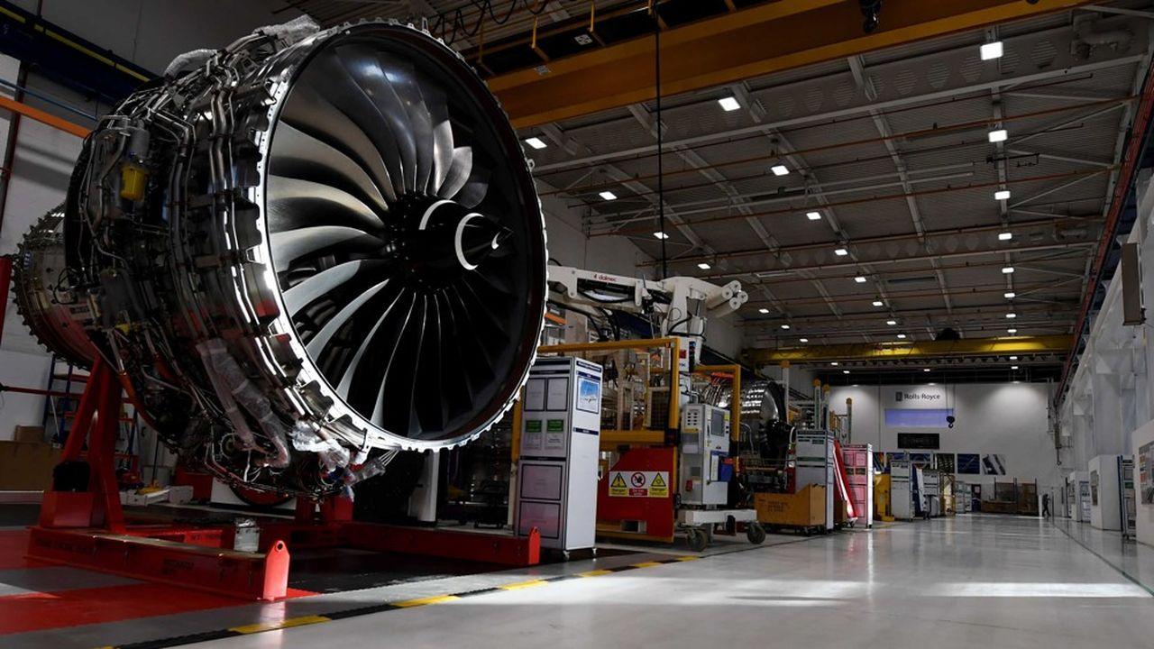 Rolls-Royce est particulièrement exposé à la réduction du transport aérien: il est spécialisé sur les moteurs d'avions pour les appareils long-courriers, le segment qui pourrait mettre le plus de temps à redémarrer.