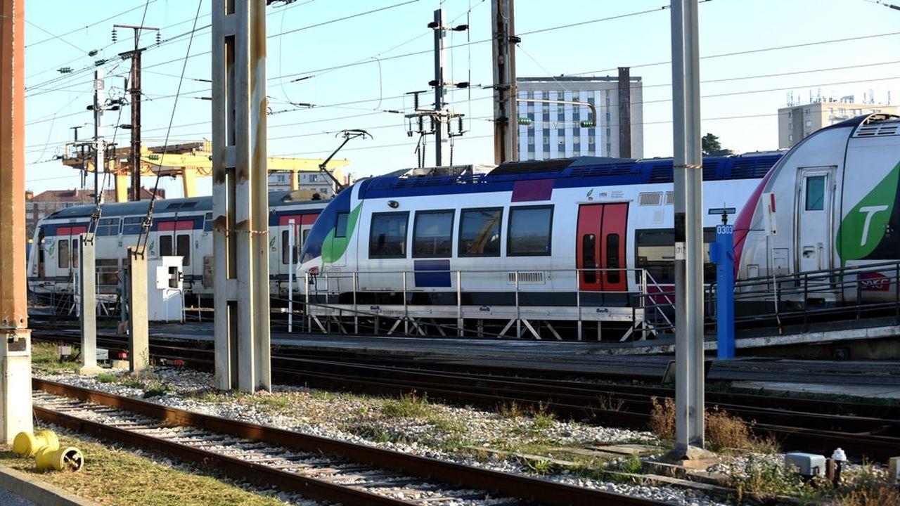 En temps normal, la région Ile-de-France verse 10 milliards d'euros par an aux opérateurs de transport, comme la SNCF ou la RATP. L'énorme trou de mars-avril va changer la donne, sauf si l'Etat compense le manque à gagner.
