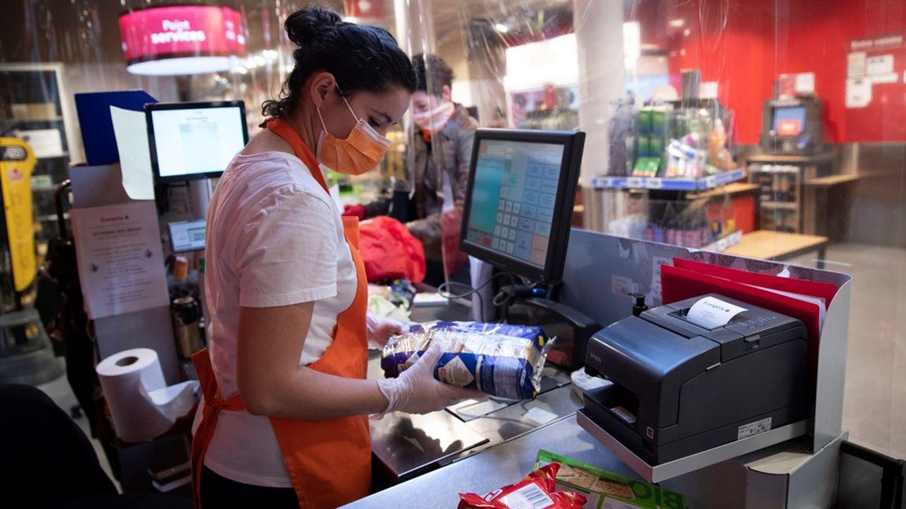 Le métier de caissier est un des premiers à avoir fait l'objet d'une fiche métier.