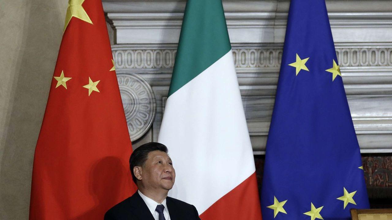 Le président Chinois, Xi Jinping, le 23mars 2019 à la Villa Madama à Rome, pour la signature d'un protocole d'accord sur les nouvelles routes de la soie avec le président du Conseil des ministres italien, Giuseppe Conte.