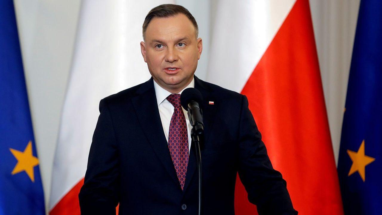 Le président polonais sortant, Andrzej Duda, est crédité d'une large victoire par les sondages.