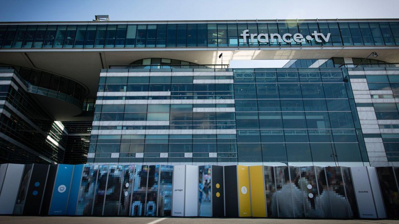 La réforme prévoyait un holding rassemblant notamment France Télévisions et Radio France.