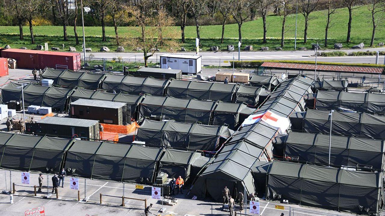 L'hôpital de campagne militaire déployé à Mulhouse (Haut-Rhin) pour soulager l'hôpital public.
