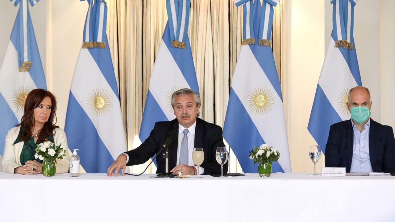 Le président argentin, Alberto Fernandez, lors de la présentation de l'offre de restructuration de la dette le 16 avril 2020.