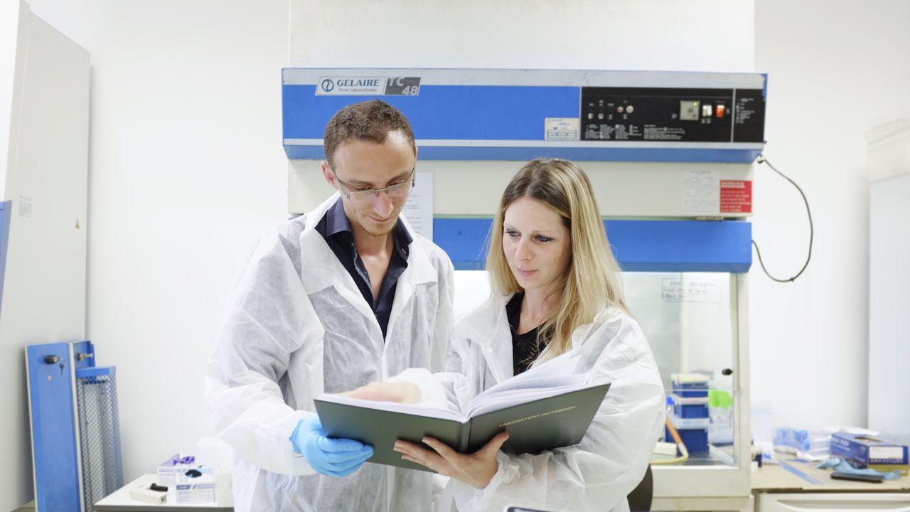 Younes Lazrak (à gauche), fondateur de C4Diagnostics .jpg