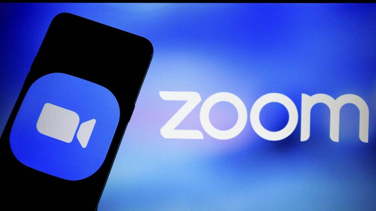 Depuis le début de l'année, Zoom a vu le nombre de participants quotidiens à ses réunions en ligne bondir de 2.900%, passant de 10millions à 300millions de personnes