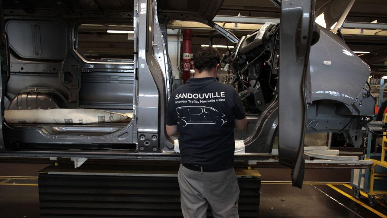L'usine de Renault à Sandouville emploie habituellement 1.900 personnes et produit essentiellement des Renault Trafic.
