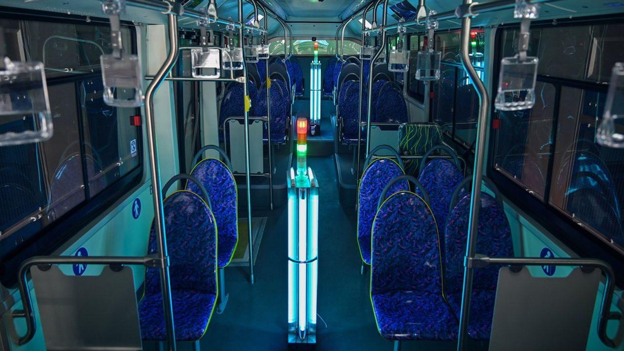 Aujourd'hui, à Shanghai (Chine) des bus publics vont au hangar prendre un bain de cette lumière violette qui les désinfecte intégralement en cinq à sept minutes, contre quarante minutes à deux personnes pour une désinfection chimique.
