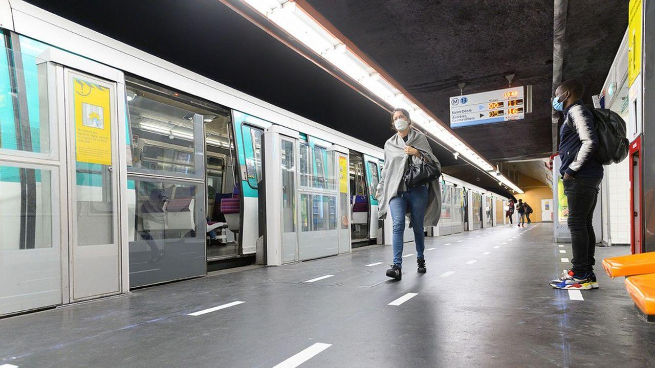 A Paris, une soixantaine de stations de métro restent fermées.