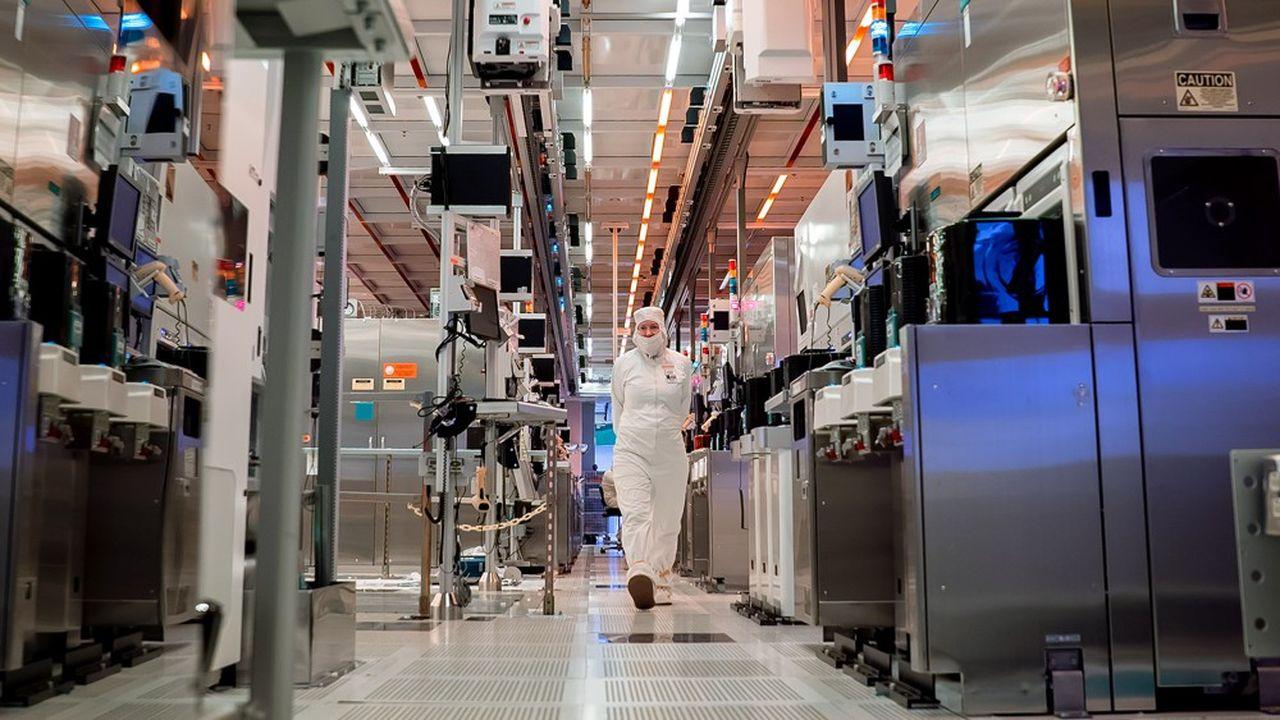 Le patron d'Intel propose un partenariat avec le Pentagone afin d'«opérer une fonderie commerciale américaine» destinée à fabriquer des microprocesseurs conçus par d'autres qu'Intel.