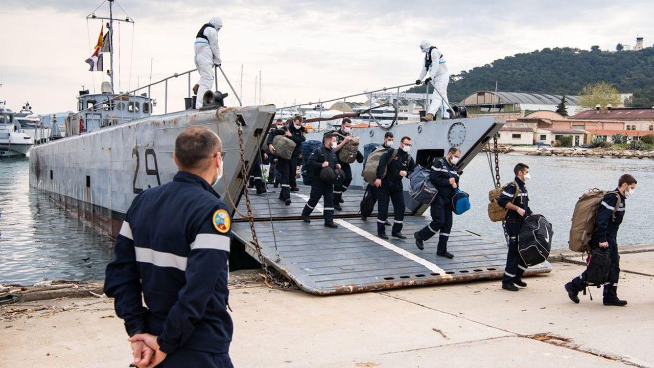 Le 11avril 2020, les unités du groupe aéronaval sont de retour à Toulon et l'ensemble des marins est mis en quatorzaine.
