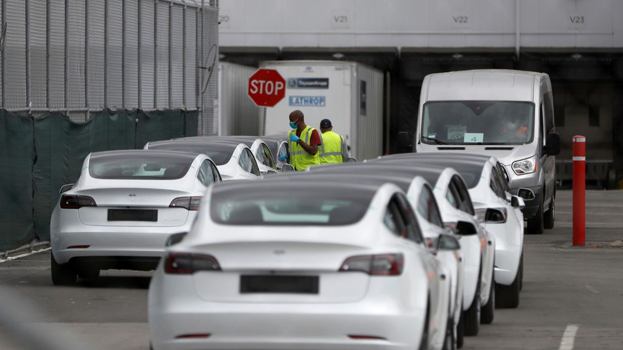 Le patron de Tesla a annoncé avoir rouvert son usine de Fremont, lieu de production de la majorité de ses véhicules.