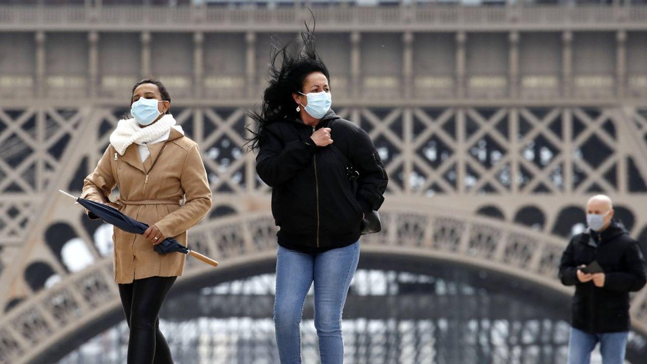 L'exécutif appelle désormais les Français à ressortir et àconsommer afin de «faire repartir» l'activité et «combattre» la crise économique et sociale