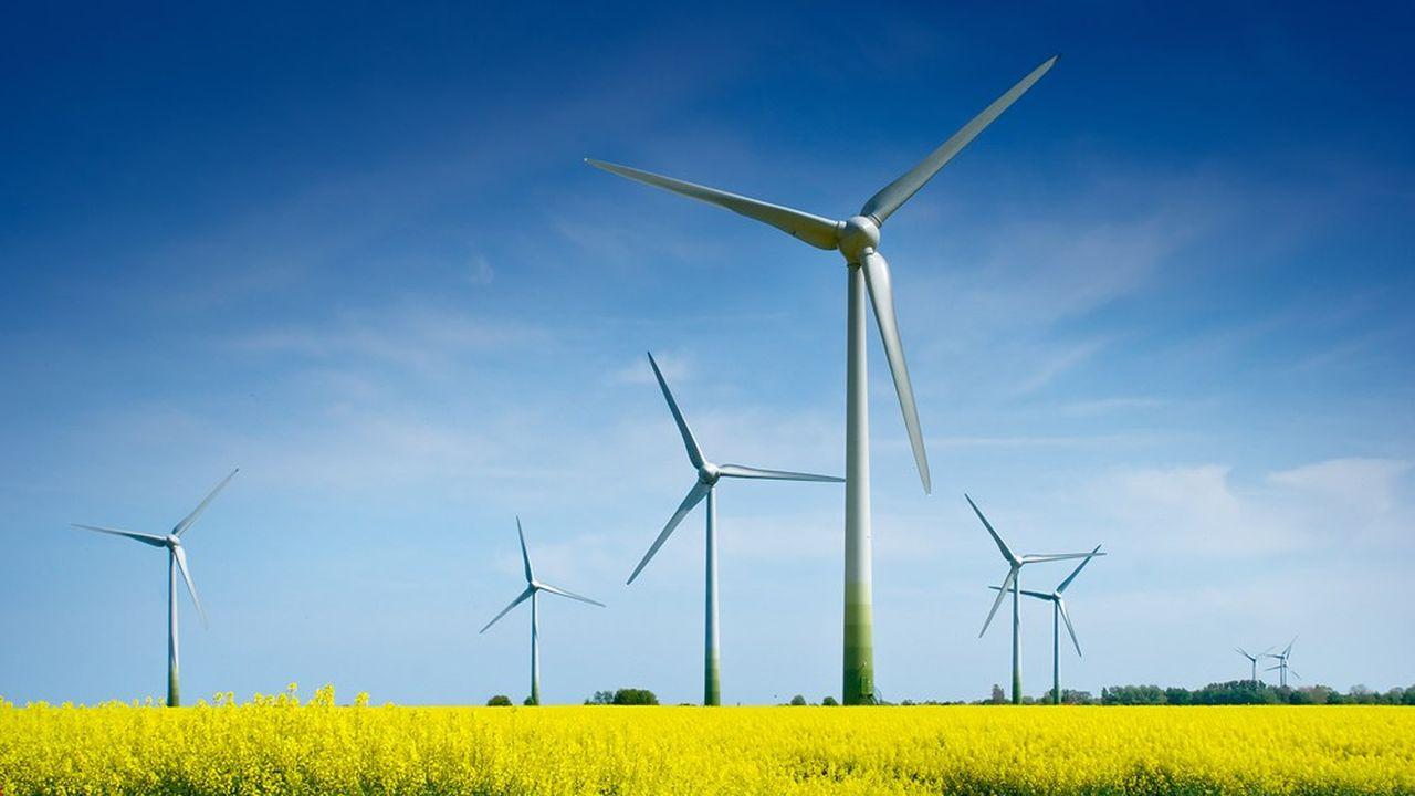 Champ d'éoliennes au Danemark