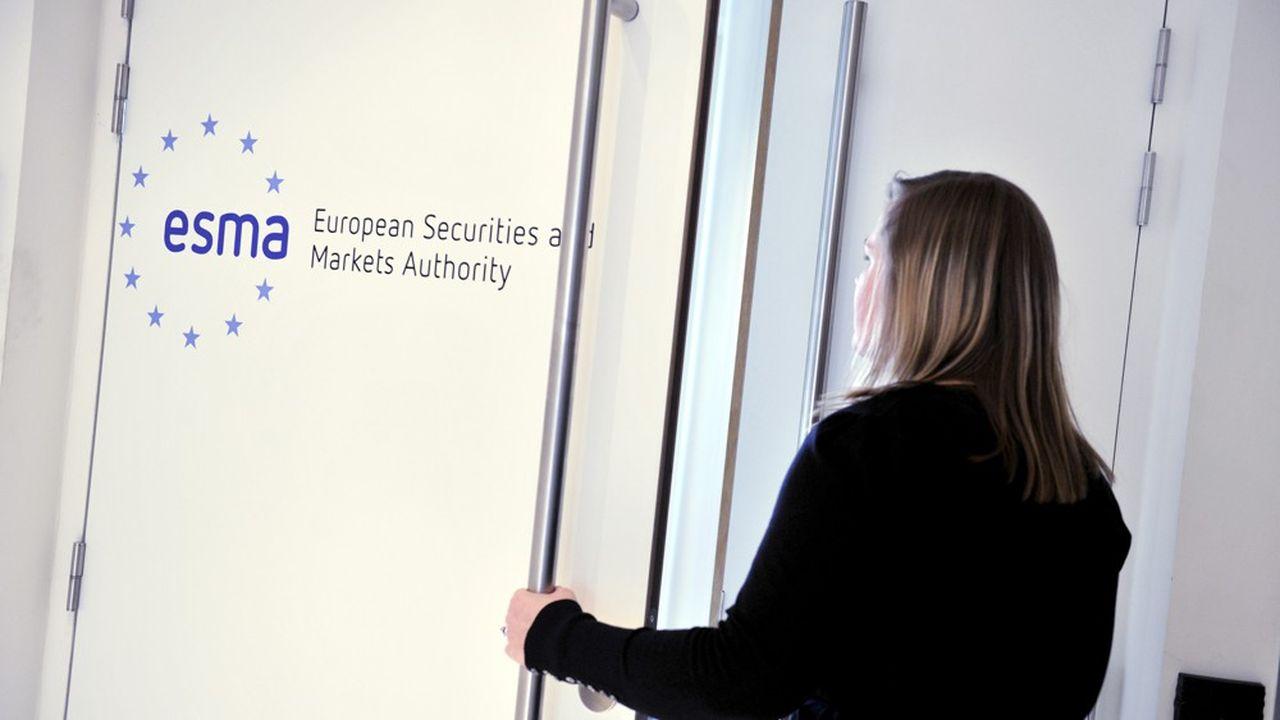 L'Autorité européenne des marchés financiers (Esma), a ouvert la porte à une interdiction totale des rétrocommissions dans le cadre de la revue de la directive européenne MIF2.