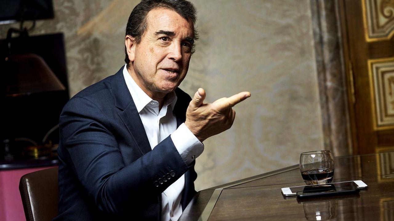 Arnaud Lagardère, le mardi 12mai, dans son bureau, près des Champs-Elysées, à Paris.