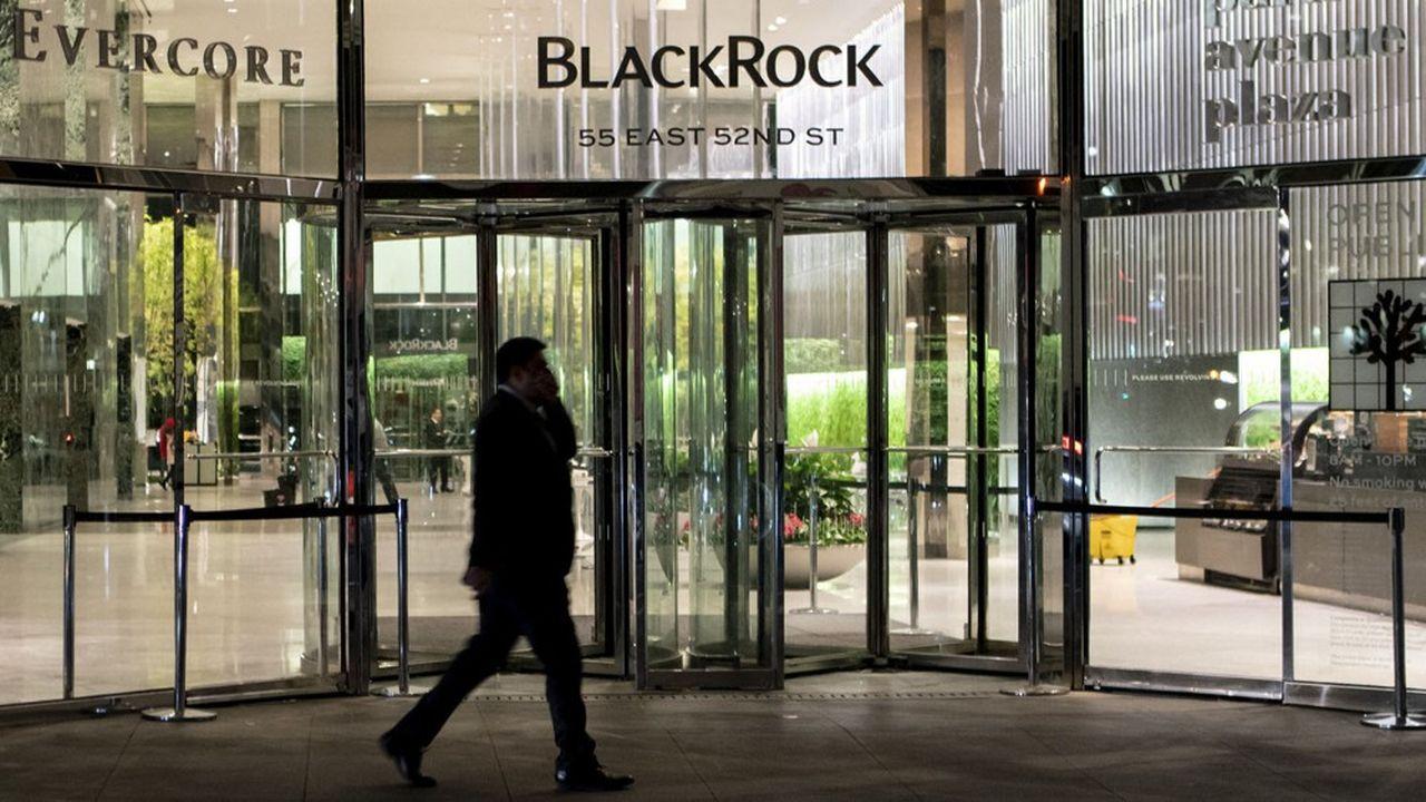 Avec l'annonce de la cession de la participation de 22% de PNC Financial au capital de BlackRock, le plus grand gérant d'actifs au monde avec près de 6.500milliards de dollars d'encours perd son premier actionnaire et ses derniers liens avec un groupe bancaire.