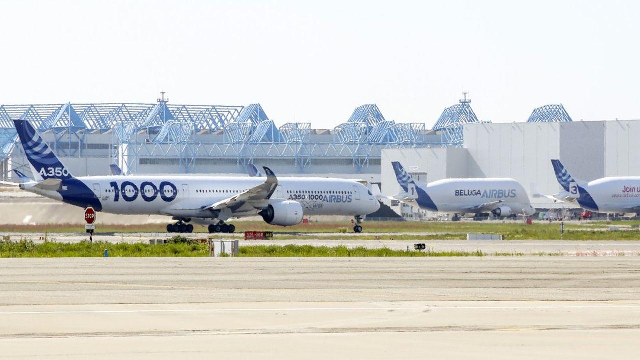 La baisse d'activité d'Airbus et ses projets de restructuration conduisent ses sous-traitants à réduire la voilure.