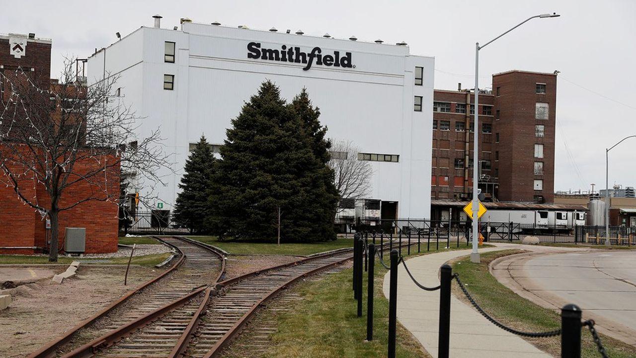 Certains sites, comme l'abattoir de Smithfield à Sioux Falls, ont fermé temporairement, mais d'autres ne rouvriront pas.