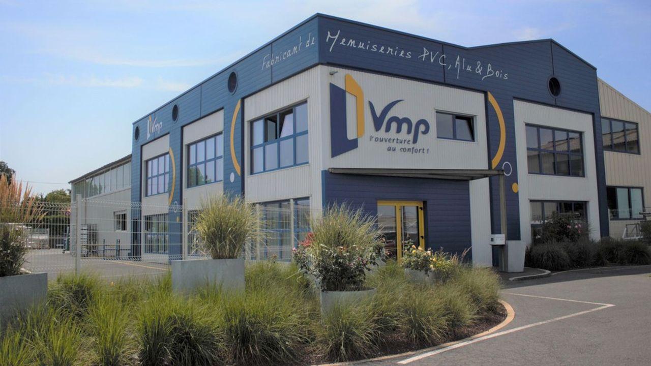 VMP, fabricant de portes, fenêtres et baies coulissantes, vend ses produits via un réseau de 54artisans installateurs sous l'enseigne Excel'Baie.