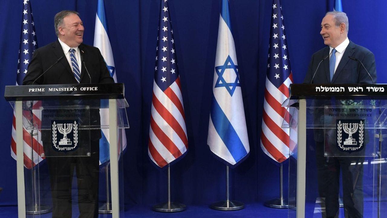 Visite éclair du chef de la diplomatie américaine, Mike Pompeo, à Jérusalem le 13mai 2020. Il a tenu une conférence de presse avec Benjamin Netanyahou qui est à nouveau Premier ministre pour une période de dix-huit mois.