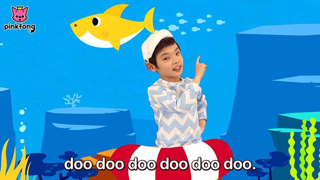Le petit requin jaune, héros de la comptine de Pinkfong
