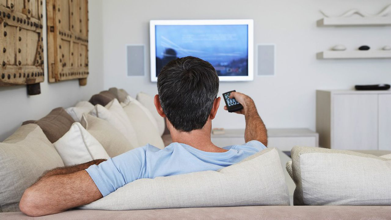 Les volumes en télévision ont diminué de 61% en durée publicitaire pendant le confinement.