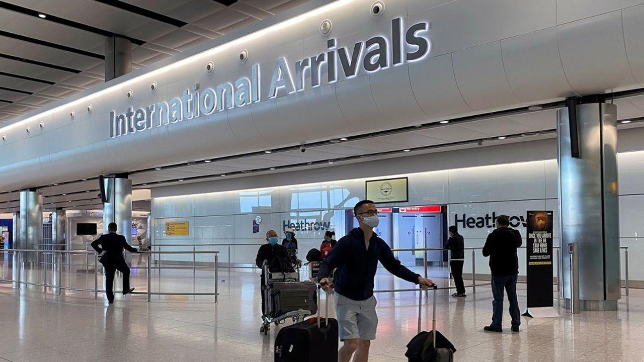 Le projet de quarantaine du gouvernement britannique ne permettra pas à l'aéroport d'Heathrow, quasi désert aujourd'hui, de reprendre son activité.