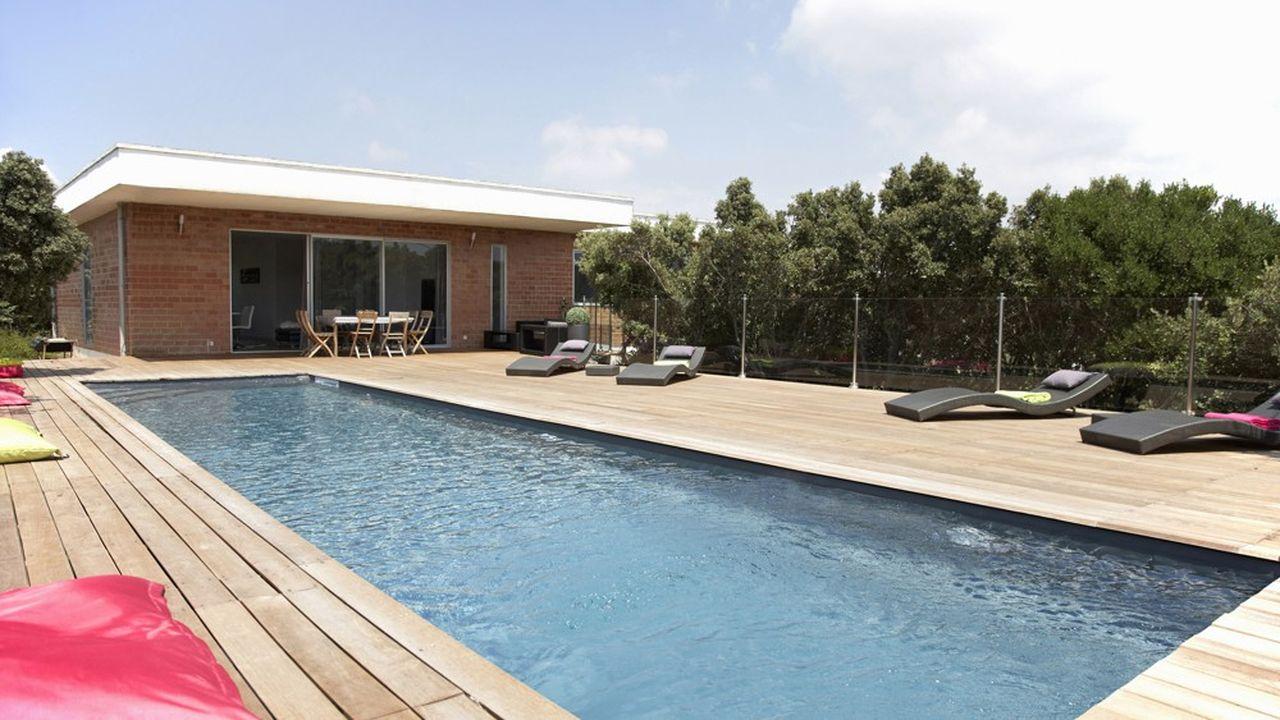 Les piscines sont espérées par près de la moitié des candidats aux vacances sur Airbnb.